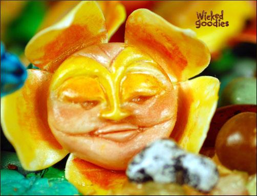 Tim Burton Alice In Wonderland Chatty Flowers Copy