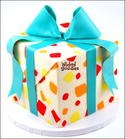 How to Form a Bow and Ribbon for a Present Cake by Wicked Goodies