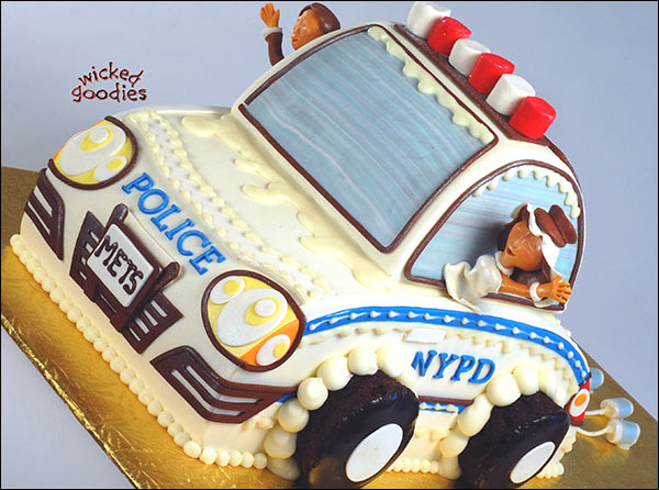 How to Make a Car Cake by Wicked Goodies