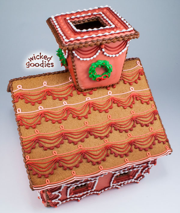 Royal Icing Piped Swag Gingerbread House Design