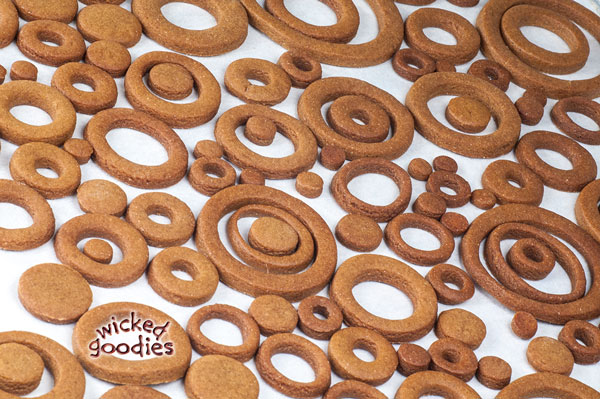Gingerbread and Royal Icing Bubble Machine