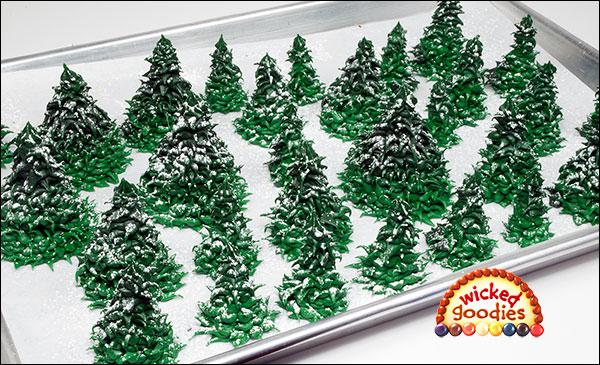 Cake Decorating Making Trees : Piped Royal Icing Fir Trees