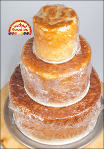 How to Use Bread Dough for Fake Cake Tiers