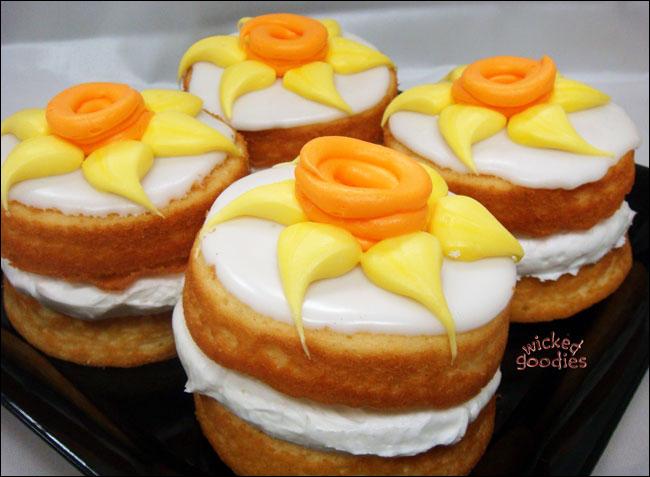 Daffodil Cakes