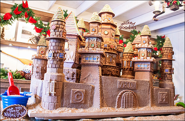 Gingerbread House Cookie Sandcastle