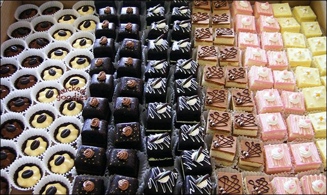 Mini Pastries Petit Four