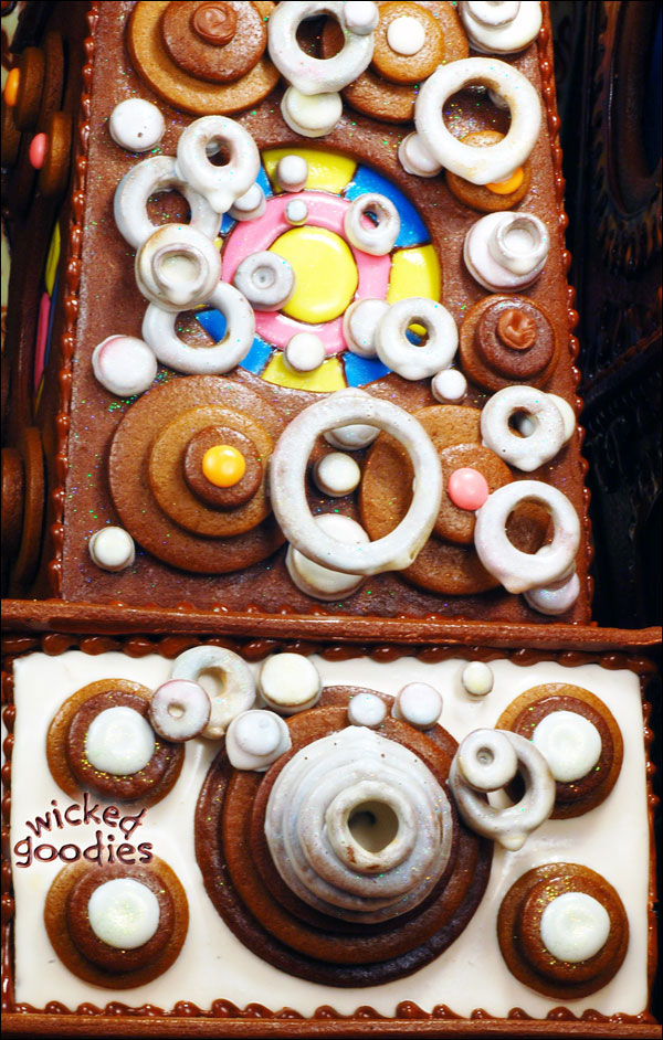 Gingerbread Bubble Machine