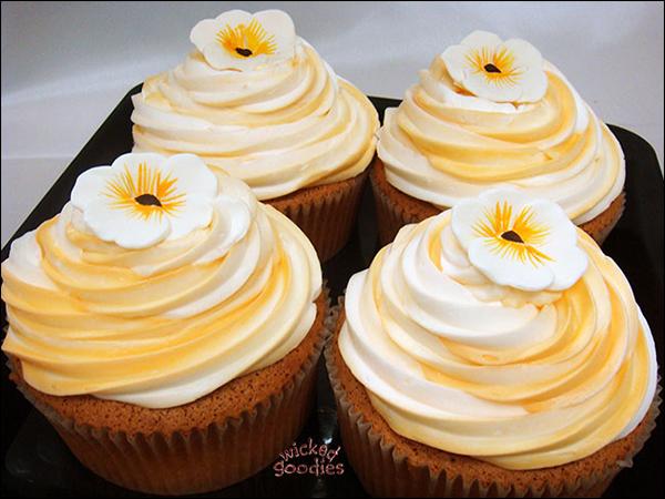 Orange Creamsicle Cakes