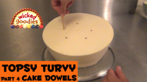 How to Dowel a Topsy Turvy Cake